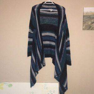 Relais sweater in Medium. Blue stripes.